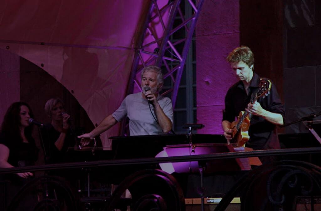 Backgroundsängerin Viola Tamm bei Chuck Leavell (Musical Director & Keyboarder der Rolling Stones), hr1-Bigband, Nevio Passaro, Neue Philharmonie Frankfurt Violet Voices