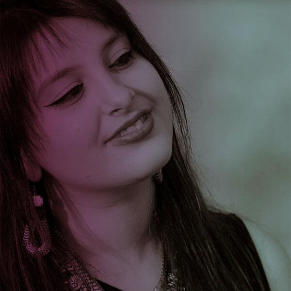 Marina Held Studium an der Frankfurter Musikwerkstatt (FMW) (Hauptfach: Gesang, Nebenfach: Piano) Violet Voices